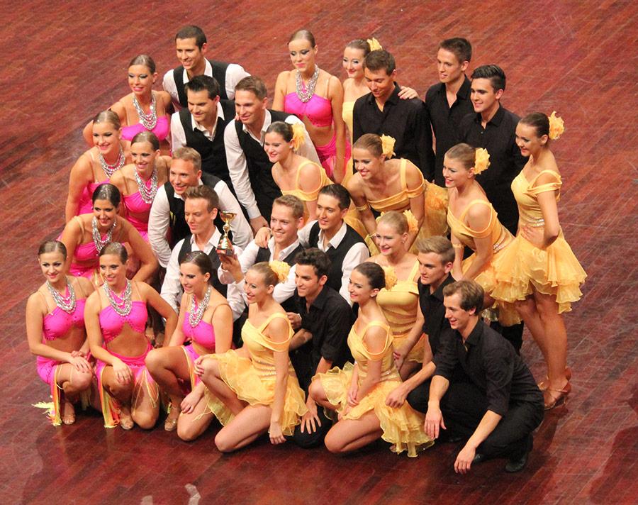 Formation der Tanzschule Trautz in Mannheim-2015